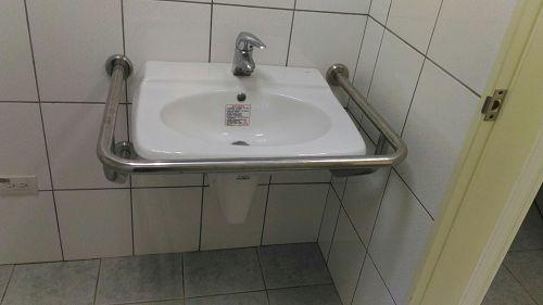 光曜樓3F~4F無障礙洗手檯