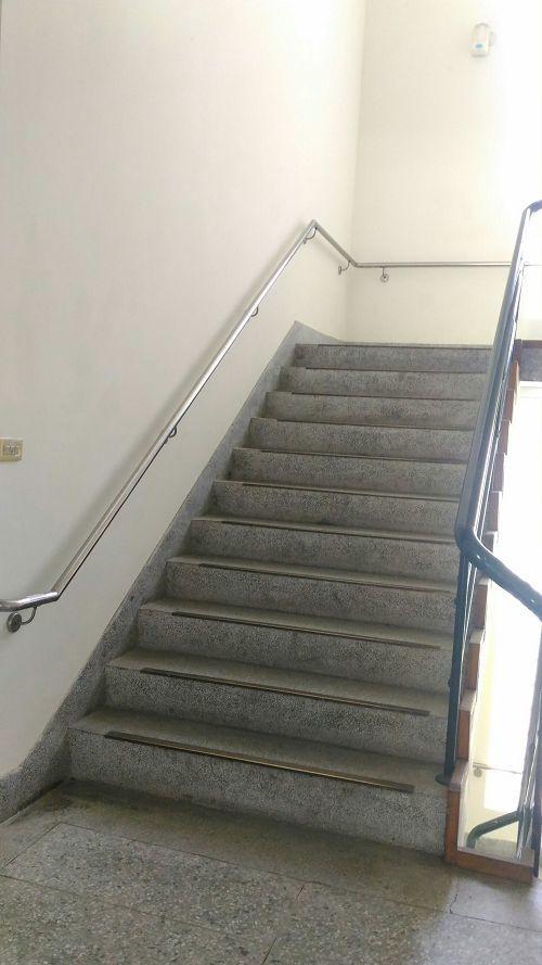 光暉樓1F~5F無障礙階梯